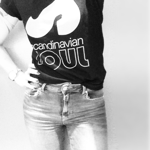 Black and white photo girl in soul t-shirt