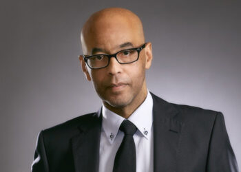 Cool man in glasses with tie